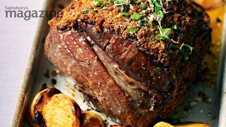 Roast beef with a paprika and thyme crust