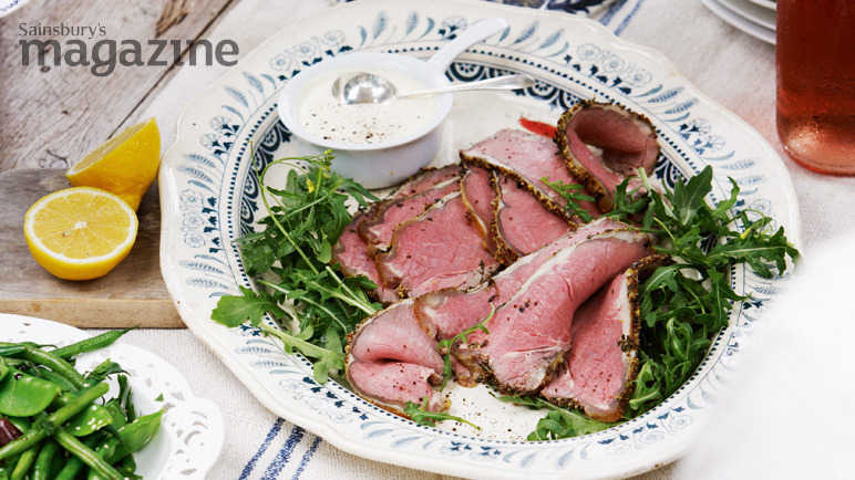 Rare roast beef with mustard and garlic soured cream