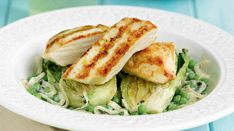 Grilled chicken with creamy peas & lettuc image