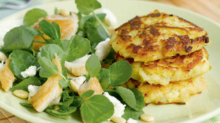 Rosti with smoked mackerel sala image
