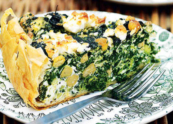 Spinach, chickpea and cheese tar image