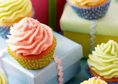 Cupcakes with buttercream icin image