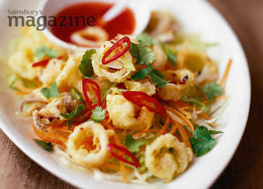 Fried chilli squid salad