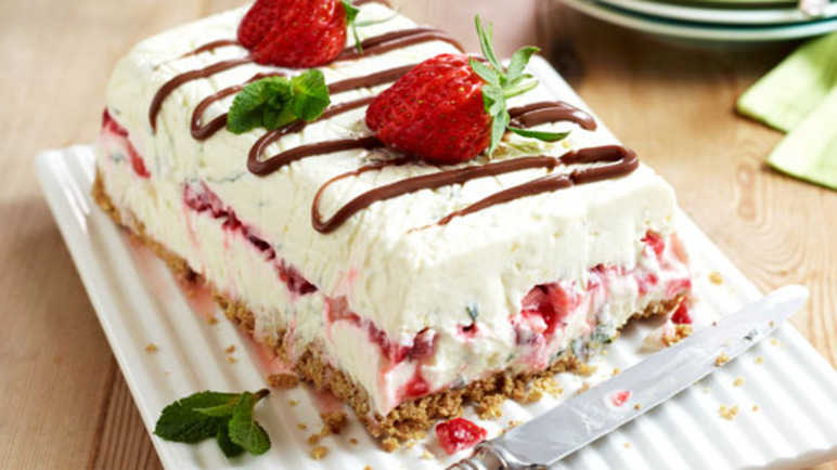 Easy strawberry layer cak image