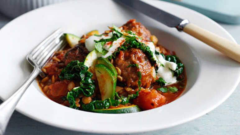 Meatball, lentil and cabbage hotpo image