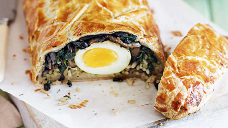 Rice, mushroom and egg pastry rol image