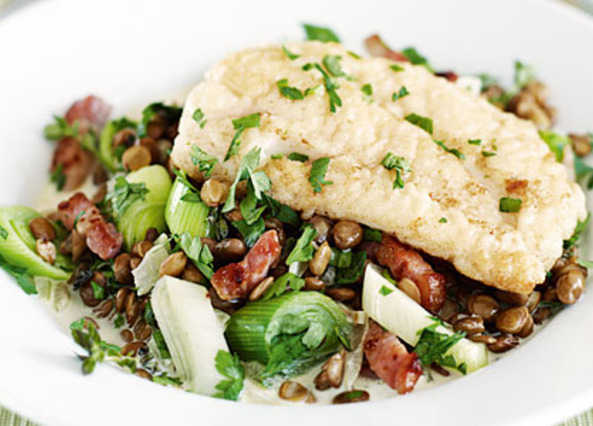 ... Recipes / Courses / Main courses / Cod with bacon, leeks and lentils