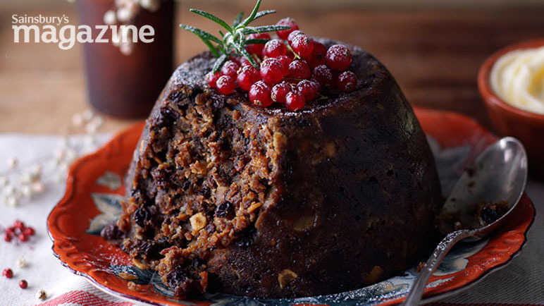 Classic christmas pudding with brandy butter