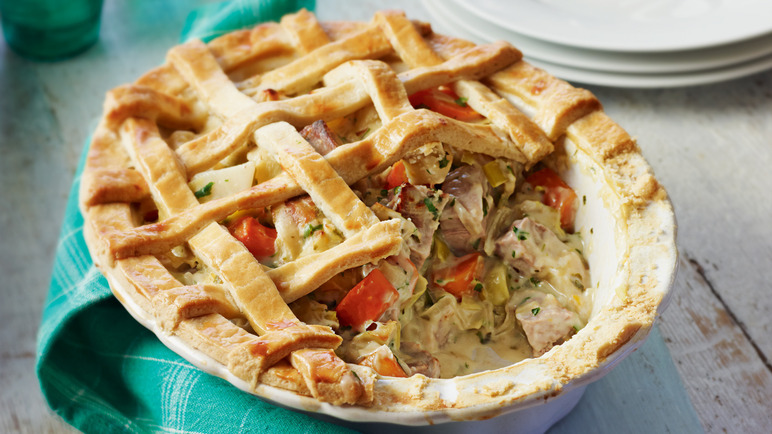 Pork, celeriac & leek lattice pi image