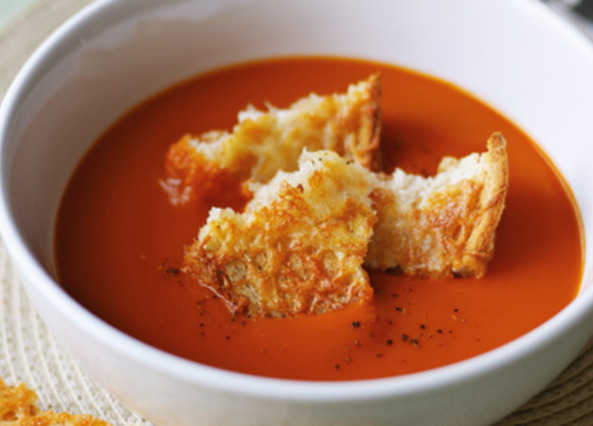 Tomato soup with cheese crouton image