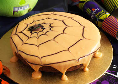 Image: Chocolate orange spider web cake