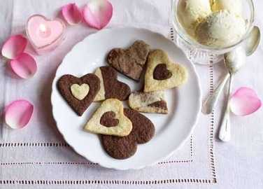 Vanilla and chocolate love heart biscuit image