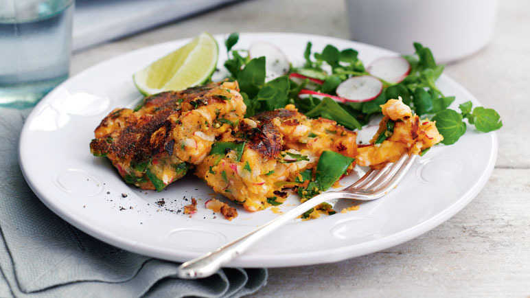 Thai fishcakes with radish salad image
