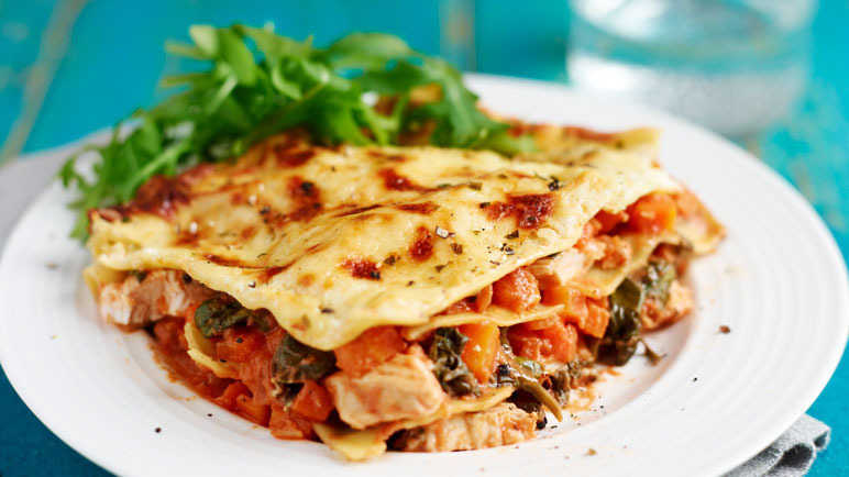 Herby chicken lasagn image