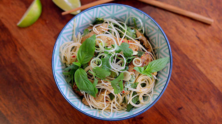 Image: Thai red beef with vermicelli and lemon grass