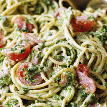 Creamy bacon & spinach past image
