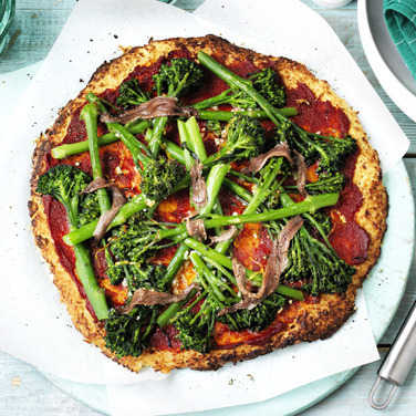 Image: Cauliflower pizza with broccoli and anchovies