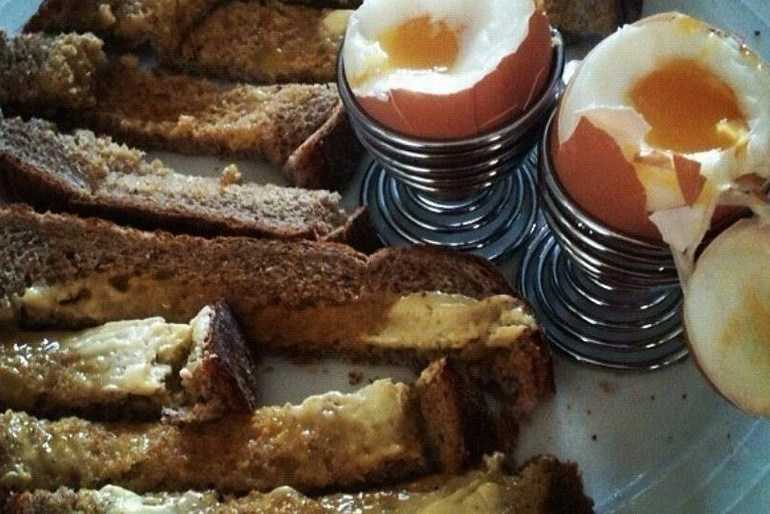 Dippy Eggs and Soldiers image