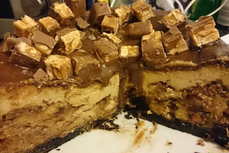 snickers cheesecake  image