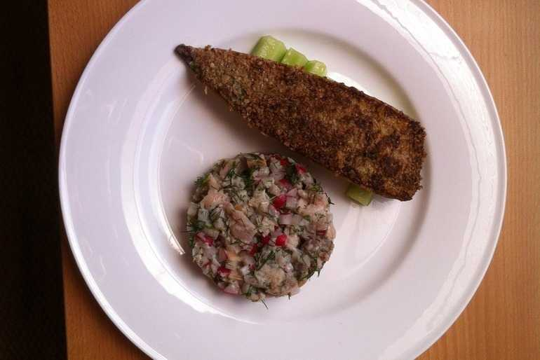 mackerel with crab and cucumber salad image