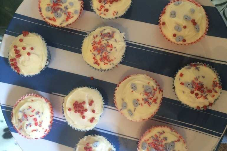 Spider-Man cupcakes image