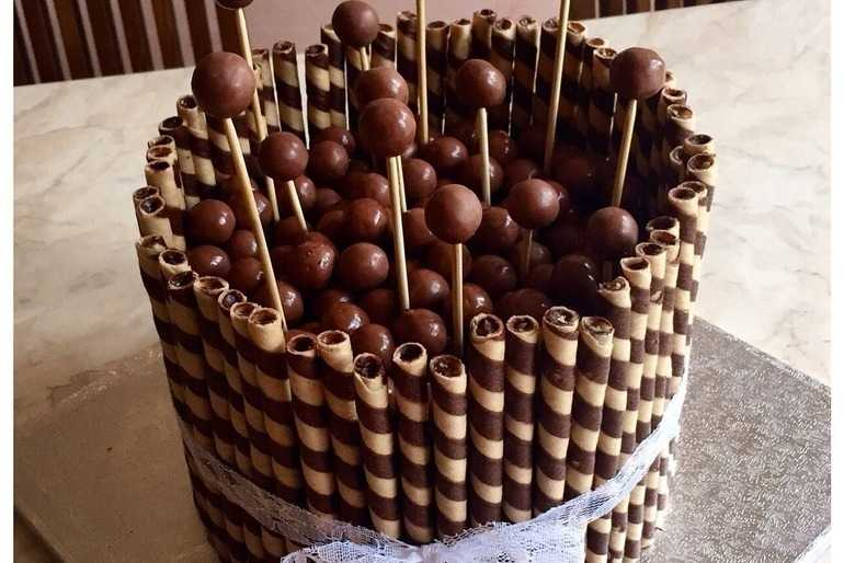 Malteasers cake image