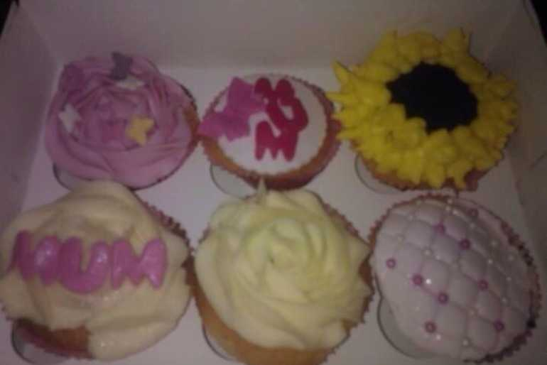 mother's day cupcakes image