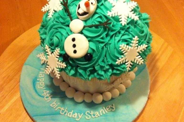 Big Olaf Cupcake, great for kids! image