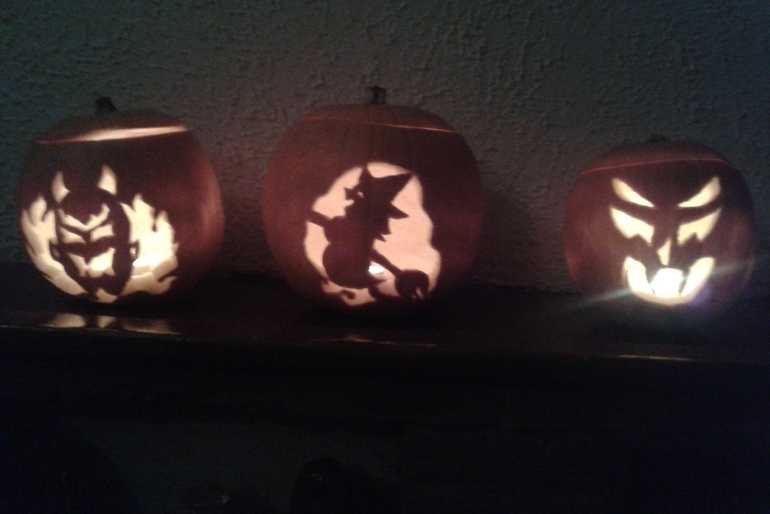 3 pumkins for 3 kids image