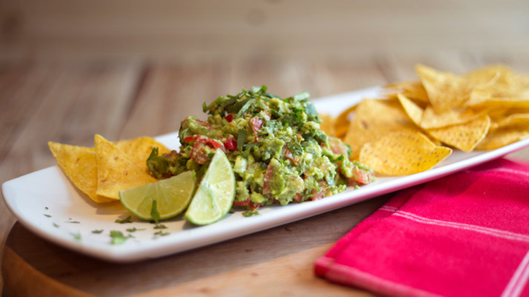 Video: How to make guacamole