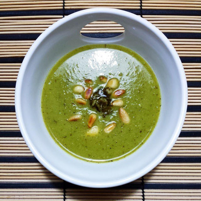 Pea and Pesto Soup